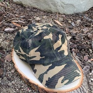 Distressed Camouflage Men's Baseball Hat